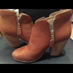 Rag & Bone size 37 boot